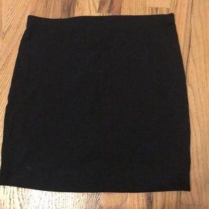 Basic mid length skirt